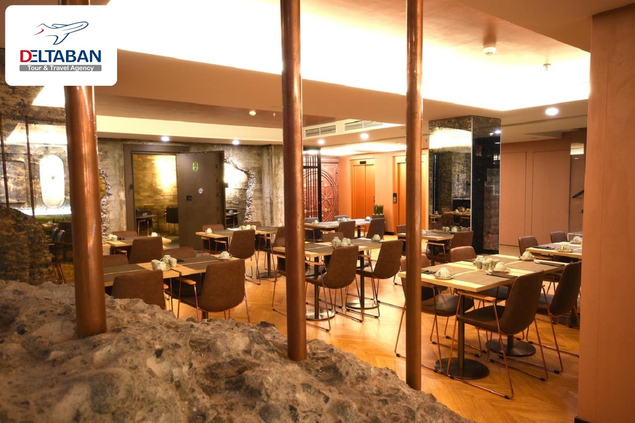 رستوران هتل دیزاین پلاس بکس در جزایر قناری