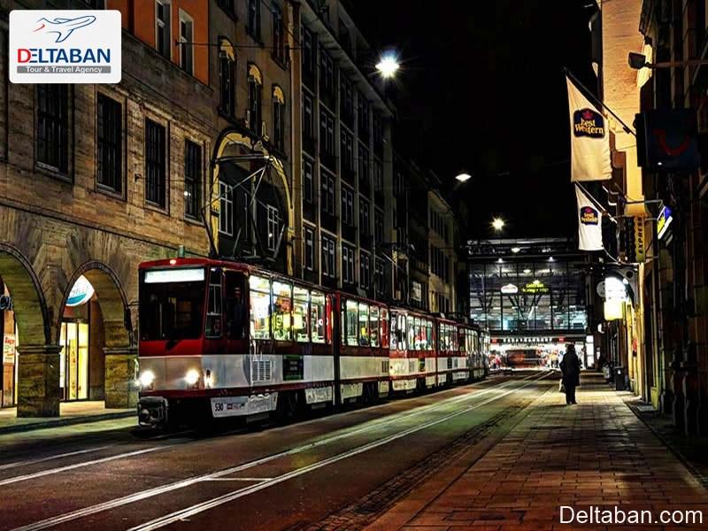 زرقُ برقِ خیابان (بانهوف) از جاذبه های شهری زوریخ