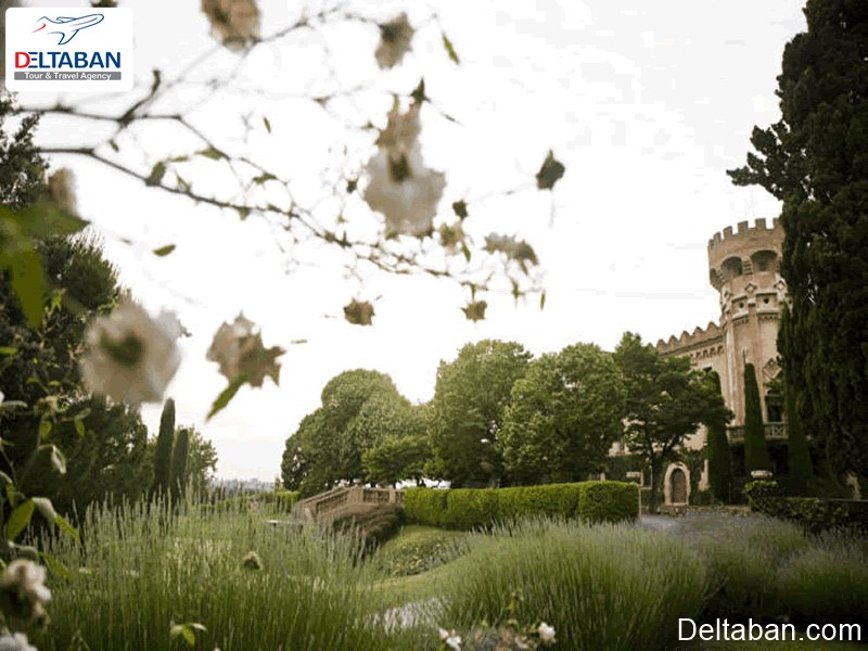 سان مارالیس از جمله قلعه های بارسلون