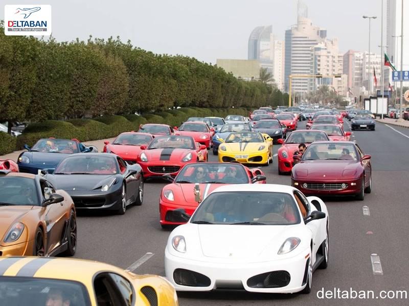 نمایی از ترافیک ماشین های سوپرلاکچری دبی