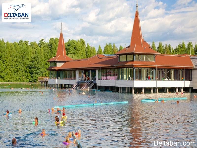 آشنایی با ویژگی های دریاچه هویز