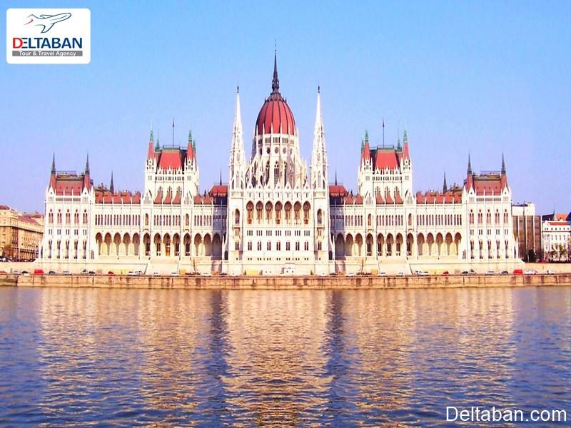 ساختمان پارلمان از نکات مهم بوداپست
