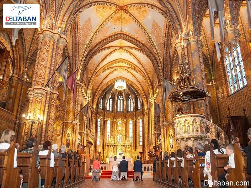نمای داخلی کلیسا