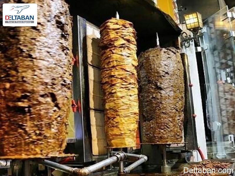 کباب ترکی از معروف ترین غذاهای خیابانی استانبول
