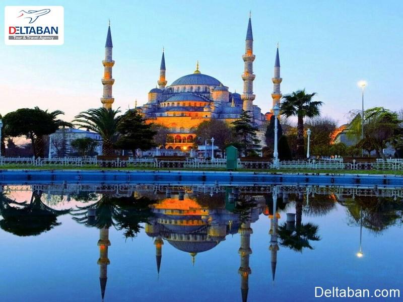 مسجد آبی از شگفتی های محله امینونو