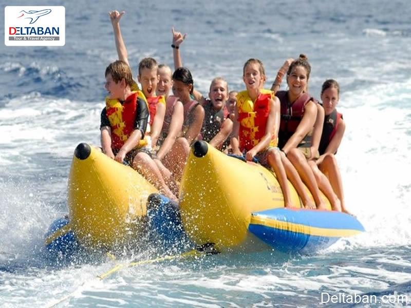 قایق موزی از تفریحات دریایی بالی