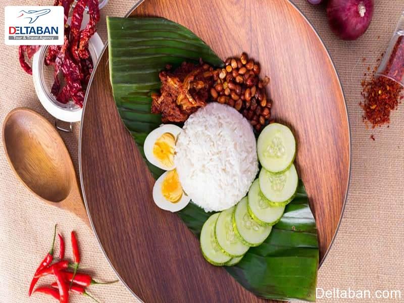 شیر برنج نارگیلی در برگ موز