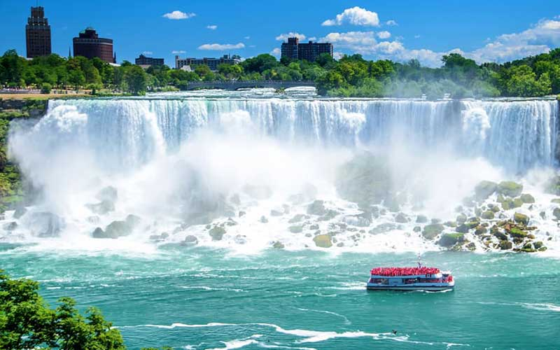 آبشار خروشان نیاگارا