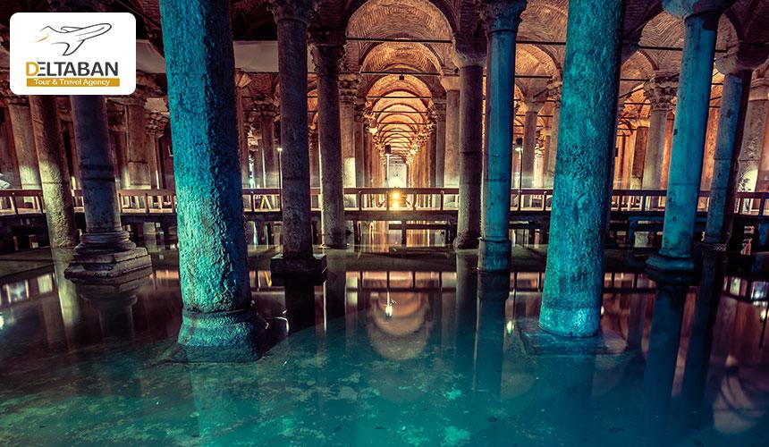 فضای داخلی آب انبار باسیلیکا استانبول
