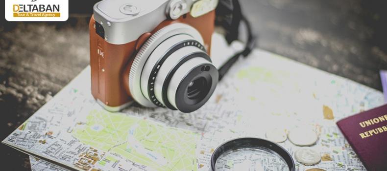 تصویری از نقشه و دوربین برای سفر