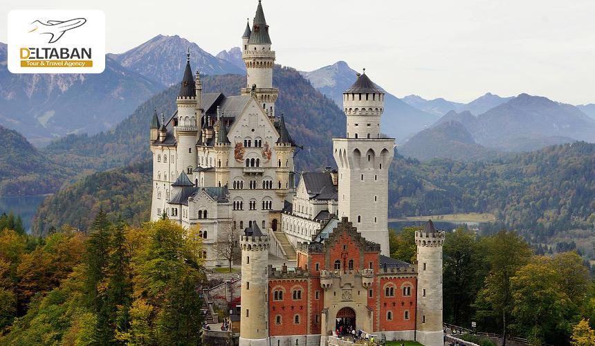 تصویری از قلعه نوشوانشتاین آلمان