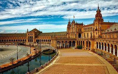 ساختمای زیبا در اسپانیا