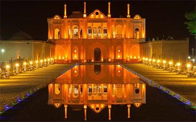 تصویری زیبا از نمای باغ فتح آباد کرمان