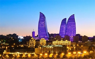 تصویری زیبا از باکو در شب