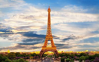 نمای برج ایفل پاریس هنگام غروب