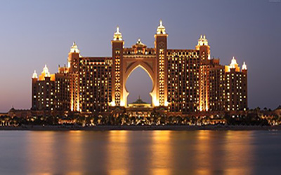 نمایی از دبی در شب