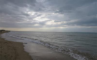 تصویری از ساحل و دریا در بندرعباس