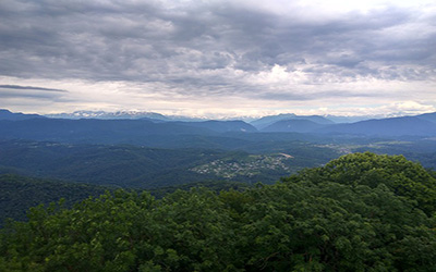 تصویری از کوهستان های زیبا سوچی