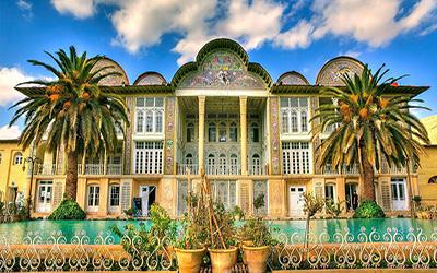 نمایی از باغ زیبایی در شیراز