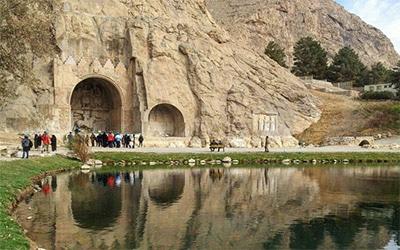 تصویری زیبا از طاق بستان یکی از جاذبه های کرمانشاه