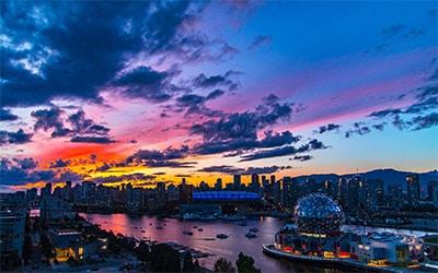 تصویری زیبا از غروب شهر ونکوور کانادا