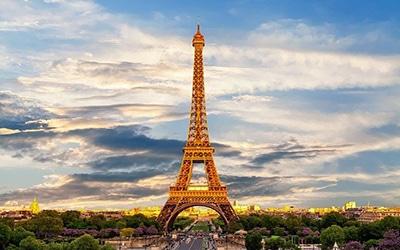نمایی از برج ایفل فرانسه