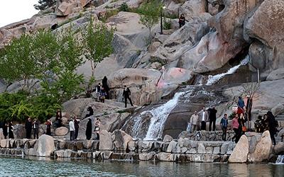 نمایی از پارک کوه سنگی مشهد