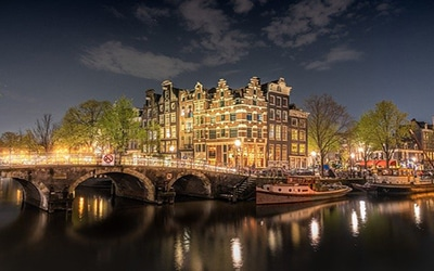 نمایی زیبا از شب هلند