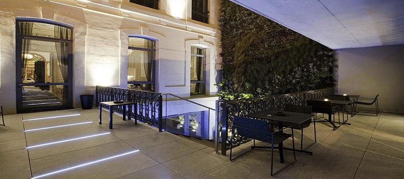نمای بیرونی هتل c2