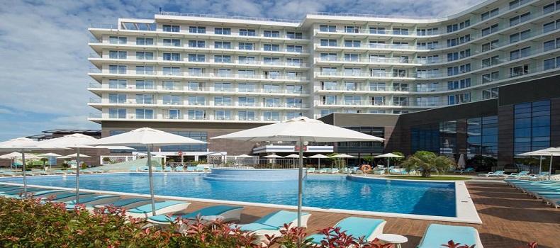 استخرهای Radisson Blu Paradise