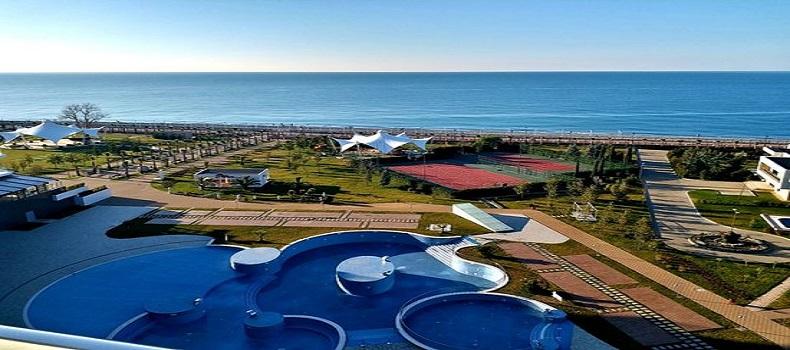 محوطه آبی Radisson Blu Paradise