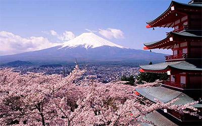 تصویر کوهستان زیبای ژاپن در زمستان