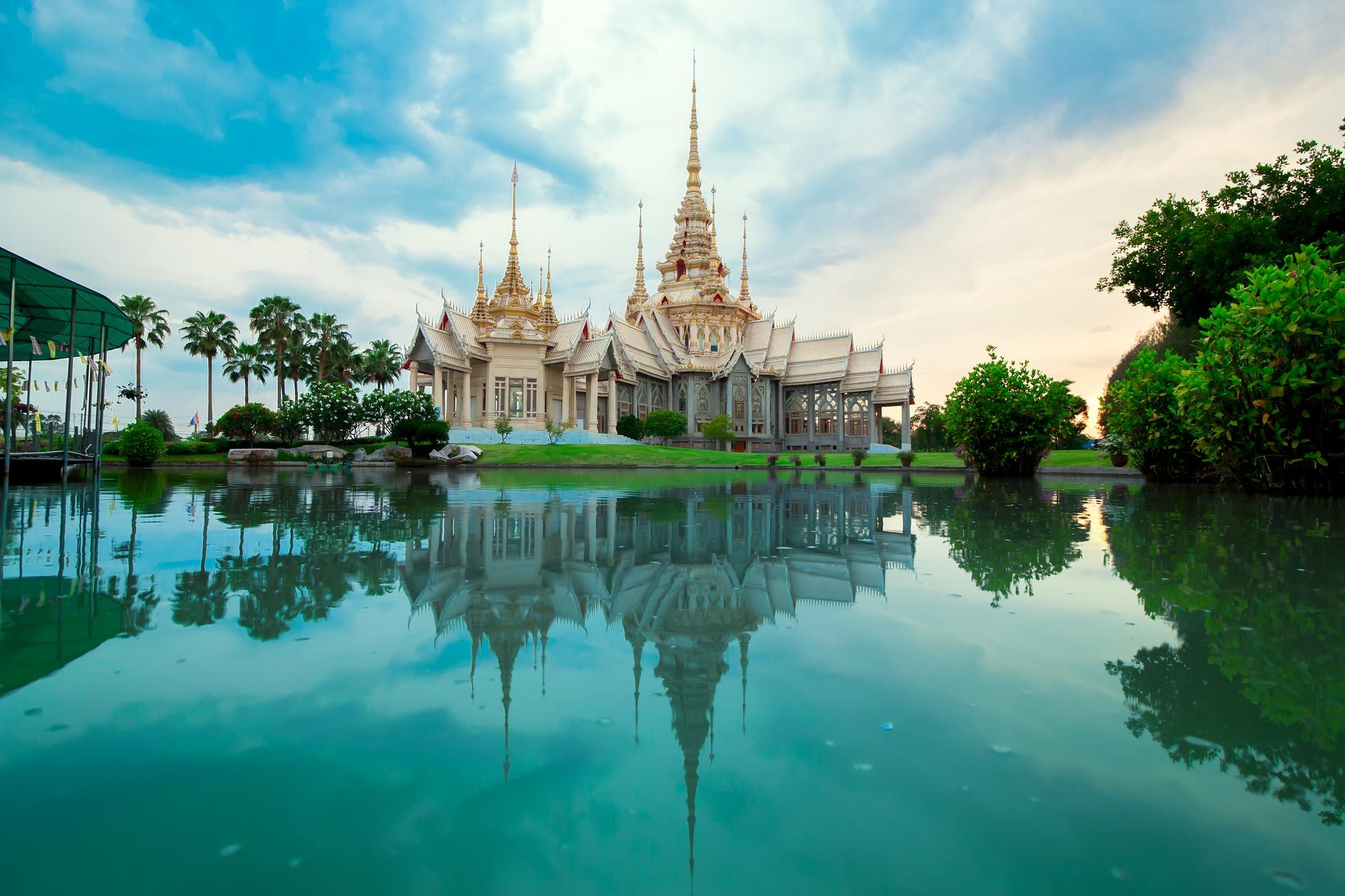 نمایی از ساختمانی زیبا در تایلند
