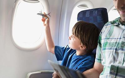 کودکی در هواپیما