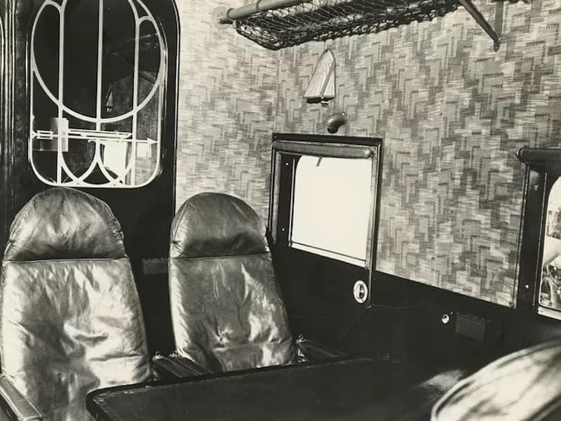 کابین هواپیما در دهه ۱۹۳۱