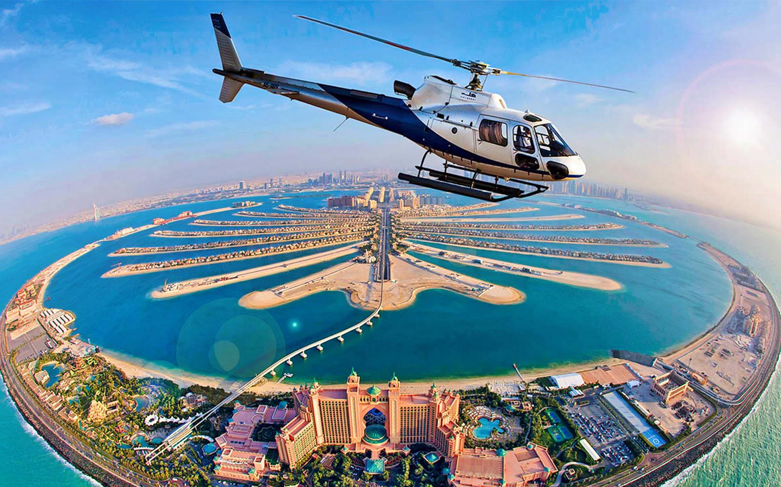 از لوکس ترین تفریحات دبی هلیکوپتر سواری