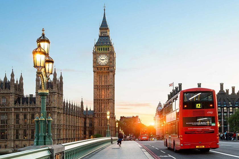 نمایی از خیابان لندن با ساعت بیگ بن