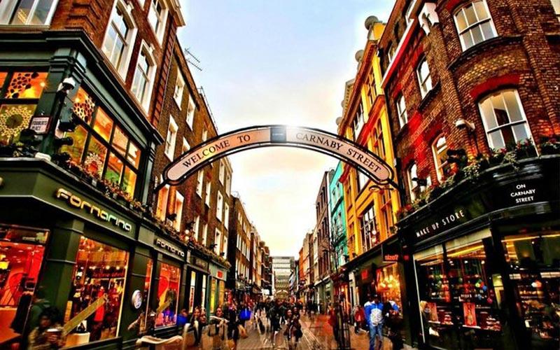 نمایی زیبا از خیابان کارنابی لندن
