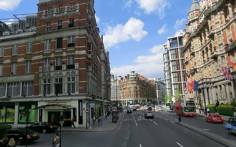 نمایی از مرکز خرید خیابان سویل رو در شهر لندن انگلستان