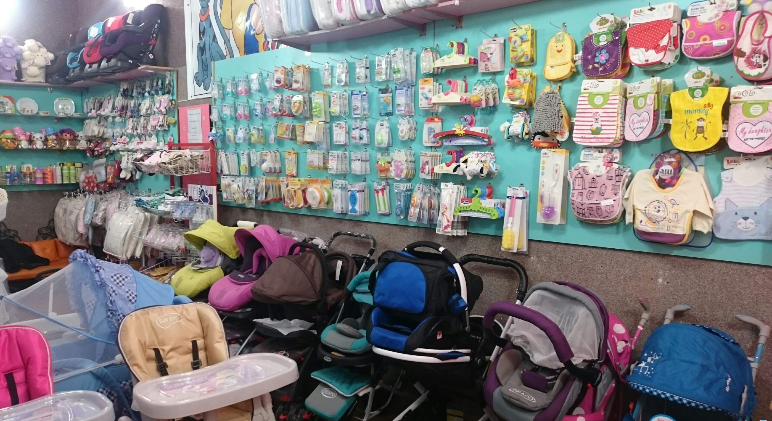 بهترین مراکز خرید لباس کودکان در کیش   آن ها را بشناسید