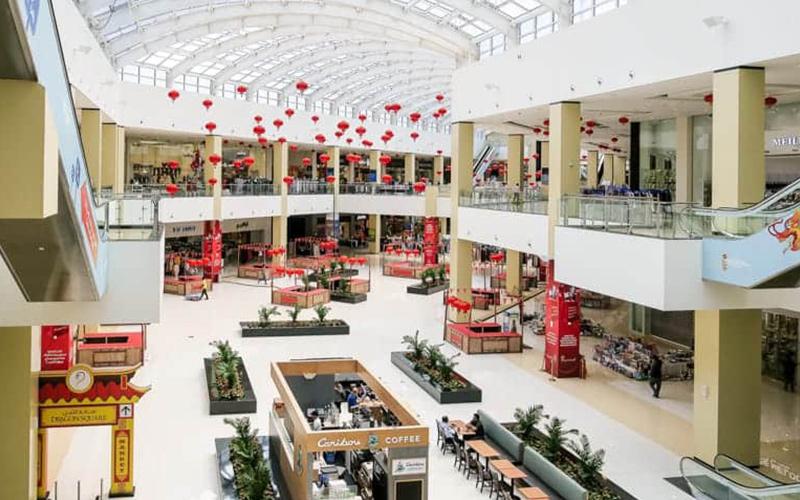 نمای داخلی از مرکز خرید دراگون مارت از اوت لت های معروف دبی