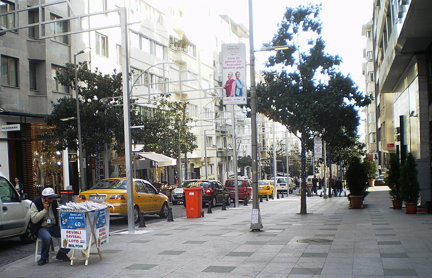 خیابان عبدی ایپکچی (Abdi İpekçi Caddesi)