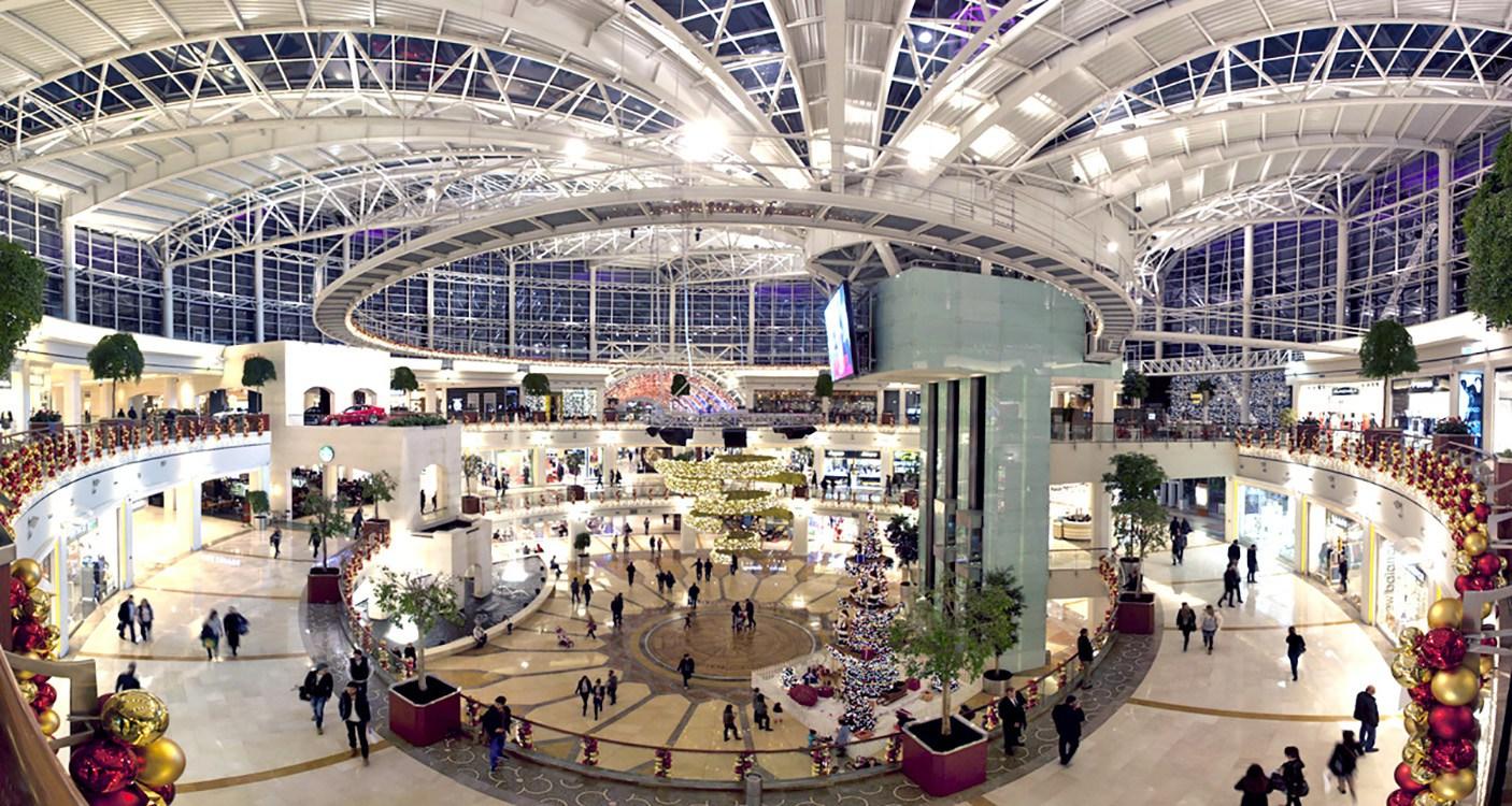 مرکز خرید ایستینیه پارک از معروفترین مراکز خرید در استانبول
