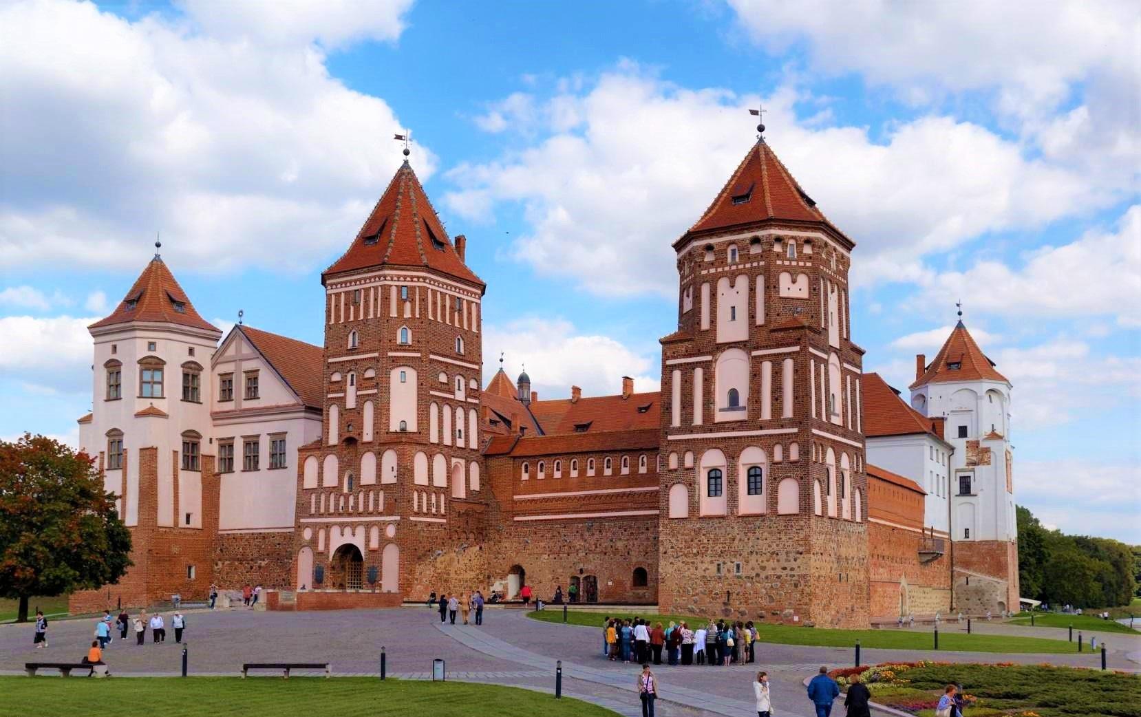قصر تاریخیmir castle، مشهورترین مکان گردشگری مینسک