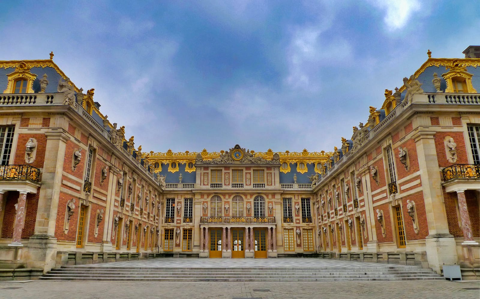 ورسای فرانسه در بهترین تورهای فرانسه